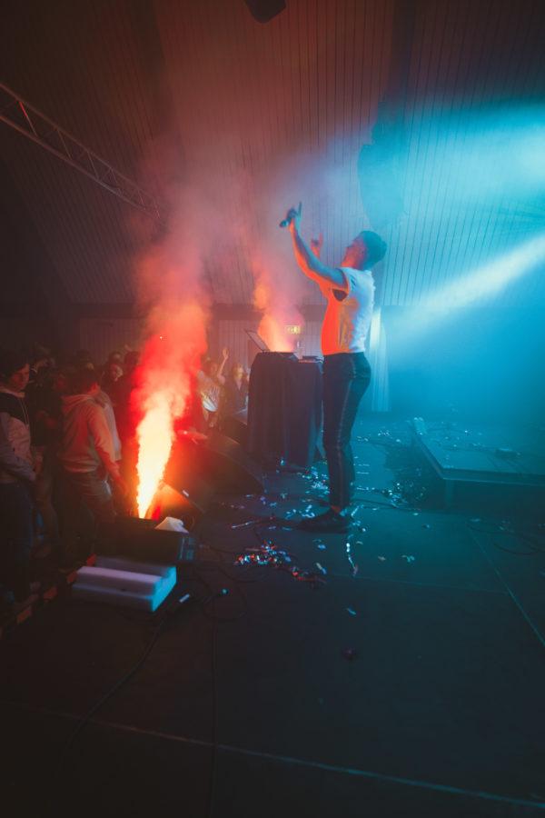 rökmaskin, rökmaskiner, discorök, fest, kick-off, after work, aw, barnkalas, firmafest, disco,
