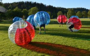 bumper balls, bubble balls, bumperballs, balongfotboll, fotboll, uppblåsbart, kick-off, after work, aw, barnkalas, firmafest, bubble soccer